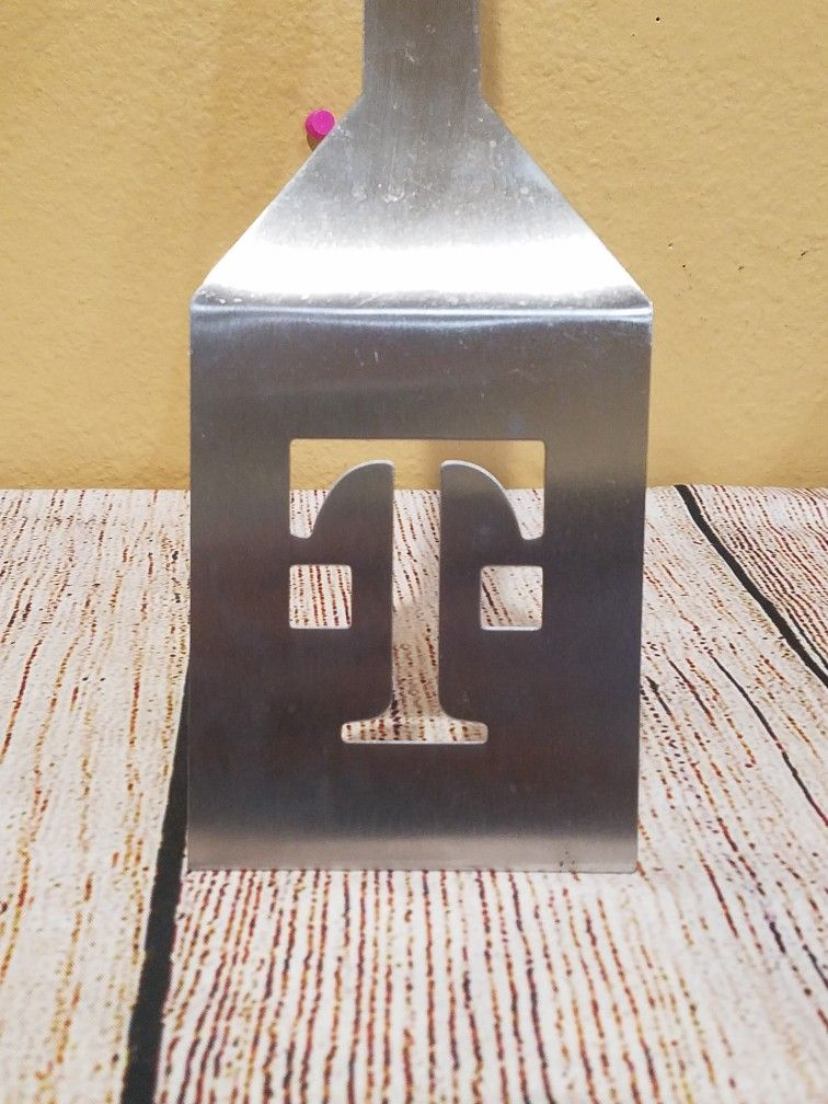 @CHV #9.  TMOBILE OR T-MOBILE COOKING BURGER STAINLESS STEEL SPATULA COOKWARE. #9