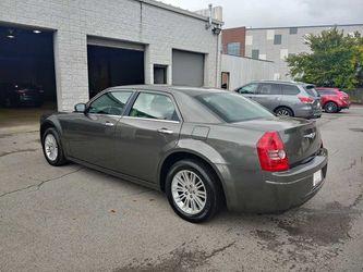 2010 Chrysler 300 Series Thumbnail