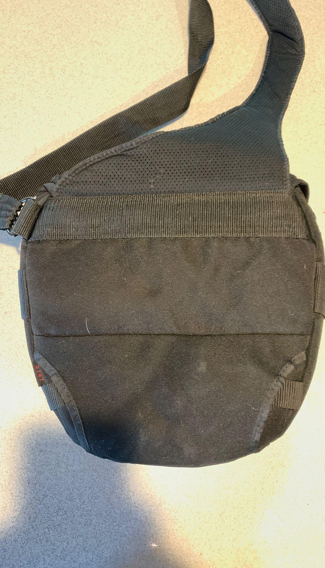 Tarmac DSLR camera Pouch. Velocity 7 shoulder bag.