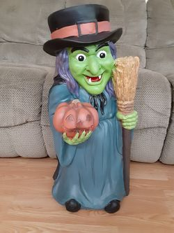 Halloween witch decoration Thumbnail