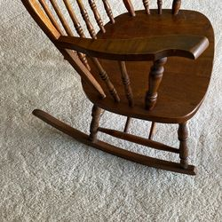 Wood Rocking Chair w/ Rounded Back Thumbnail