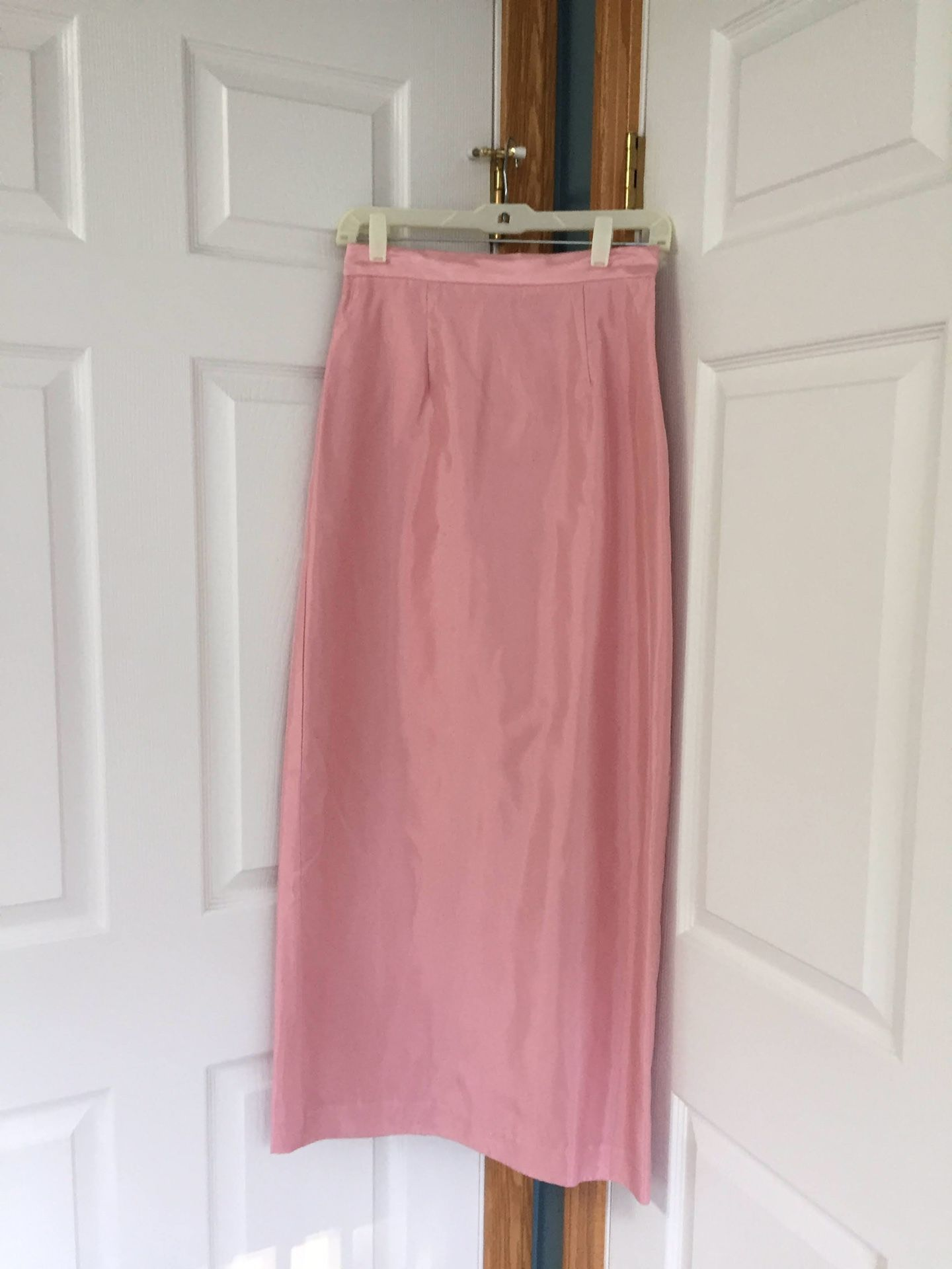 Formal Full length gown, shawl, and matching shoes. See all pictures. Gown Size 4