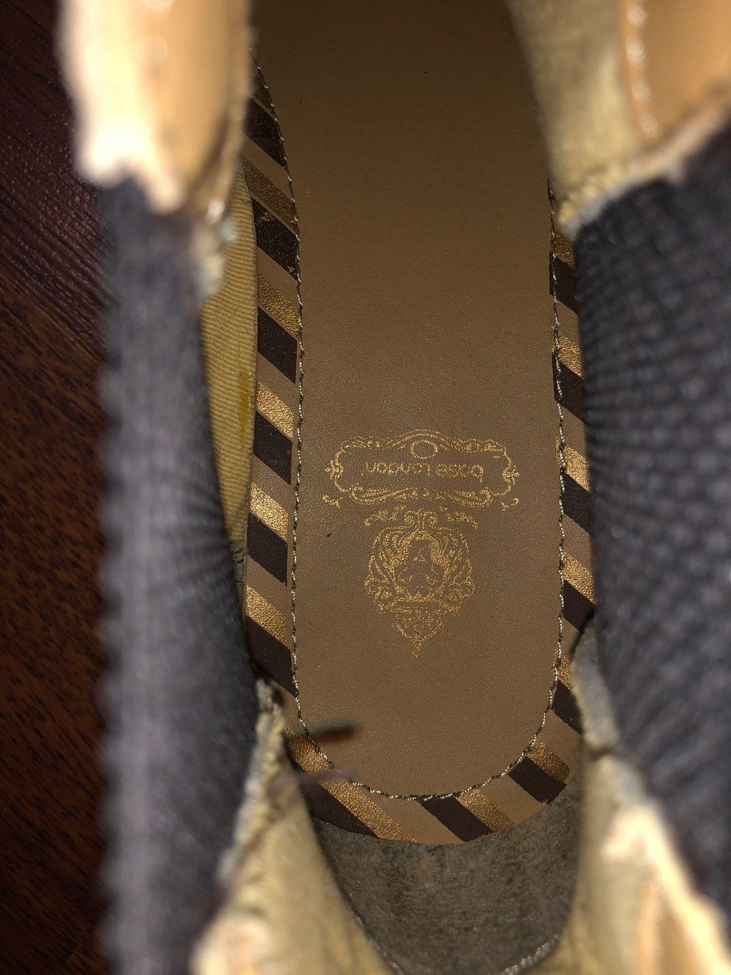 Base London Chelsea boots