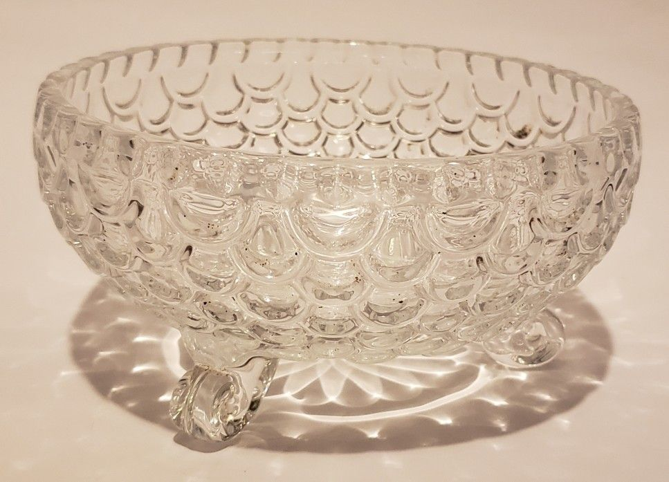"""Crystal Glass Fish Scale Bowl 3.75"""""""