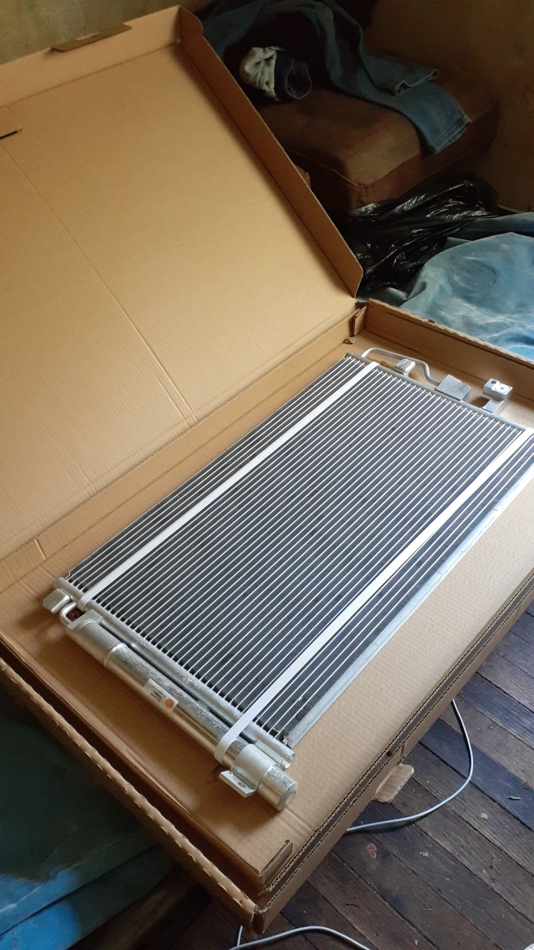 AC condenser for motor vehicle