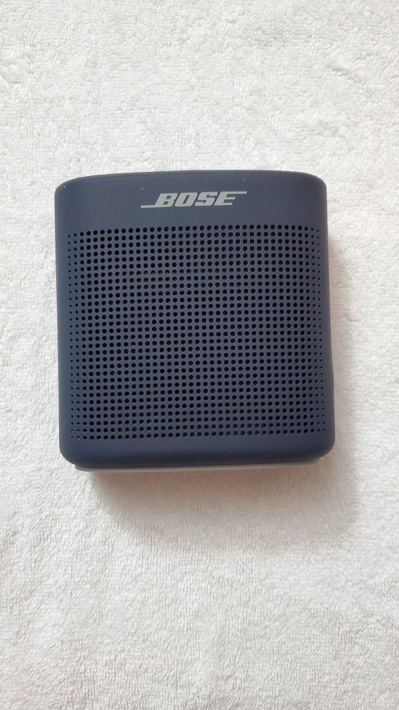 Bose SoundLink Color Bluetooth Speaker II (nearly new)