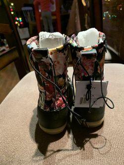NWT toddler girl snow/rain boots Thumbnail