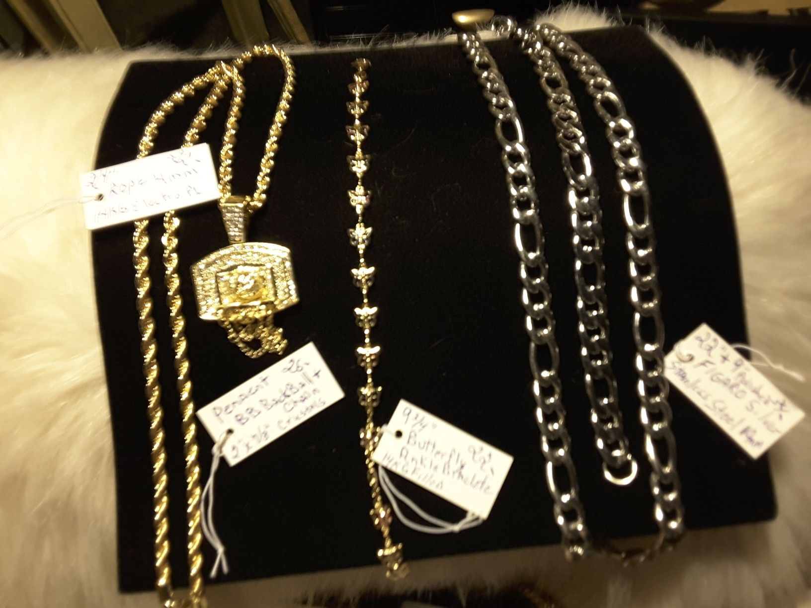 FIGARO Chain & Braclete 34$/Butterfly Anklet 22$/Rope$22 Pendent 26$