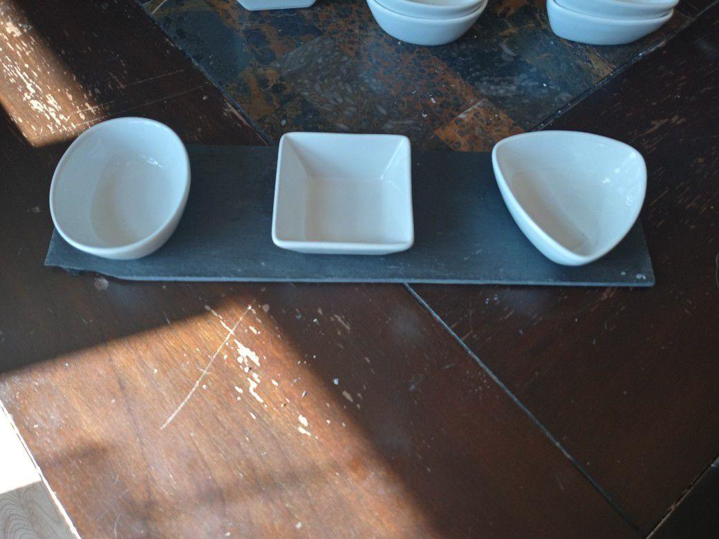 Set of serving pieces