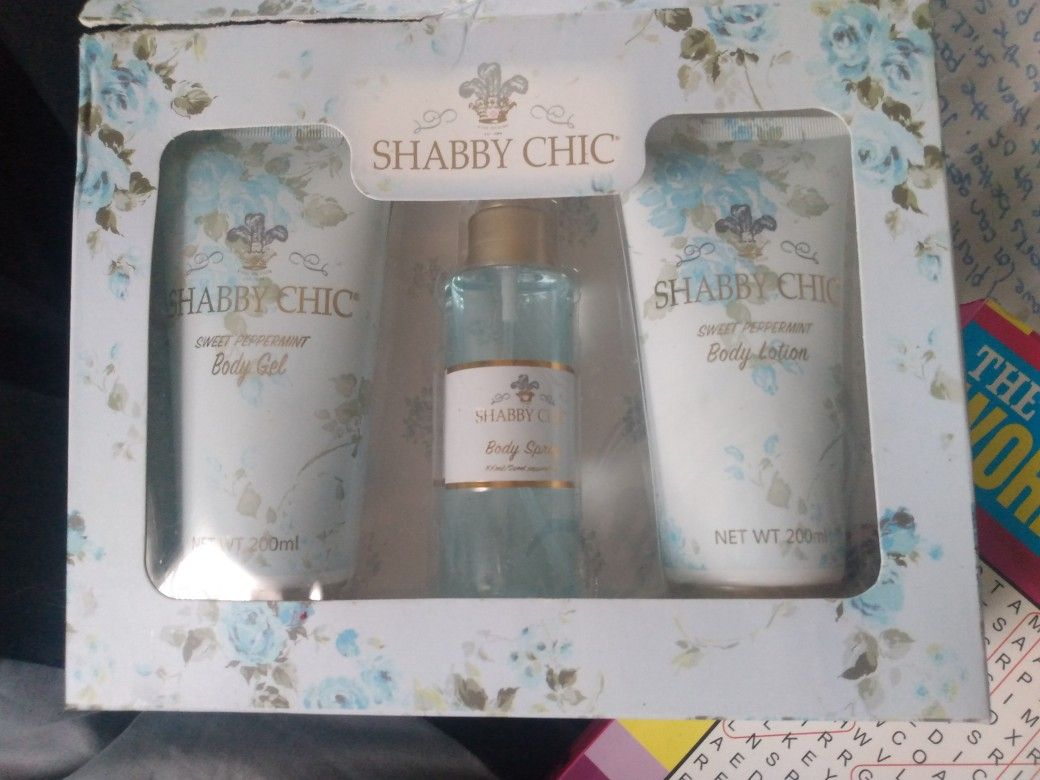 Perfume Gift Set With Body Lotion And Body Wash