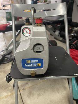 Yellow Jacket SuperEvac 8cfm Vacuum Pump Thumbnail