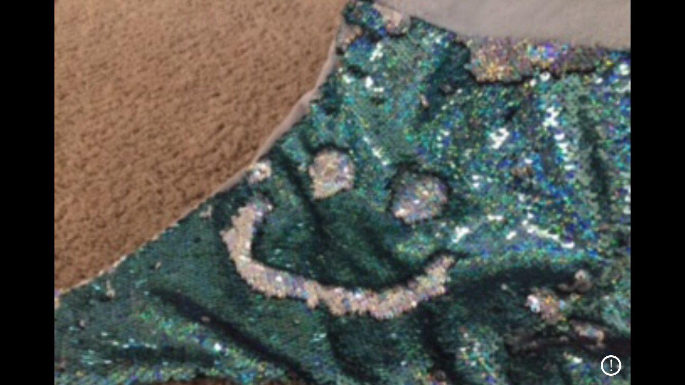 Mermaid tail blanket with flip sequins