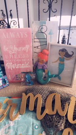 Girls Mermaid Bedroom Decor (EVERYTHING you need to Decorate a lil girls room) Thumbnail