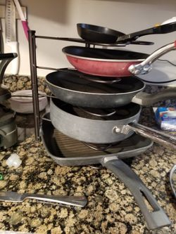 Frying pan organizer(pans not included) Thumbnail