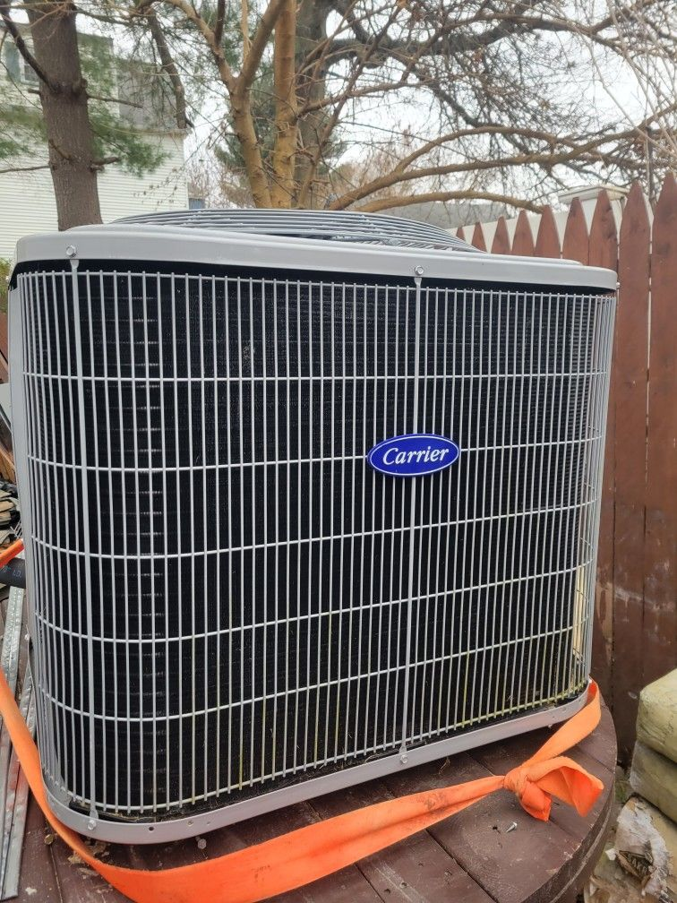 carrier 3Ton fan coil and condenser
