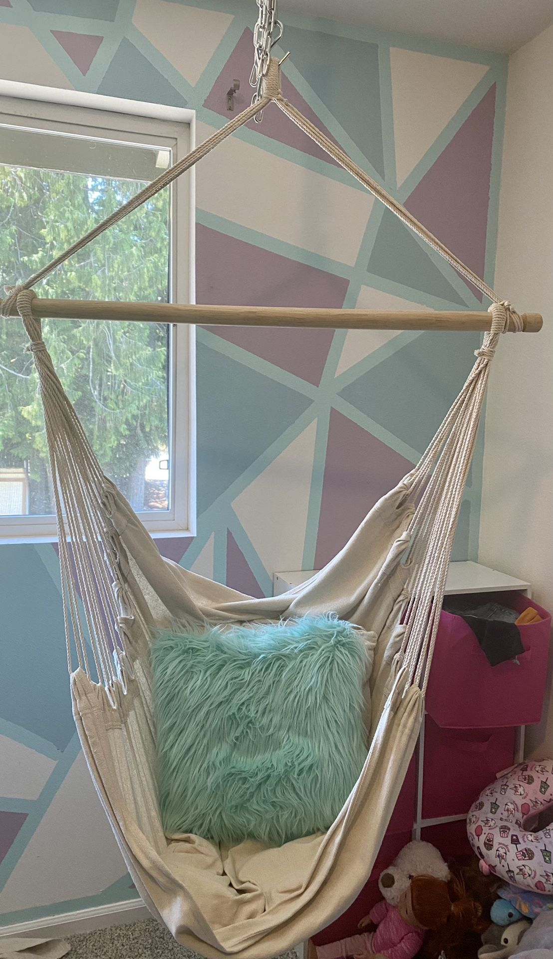 Hanging Chair with Hardware