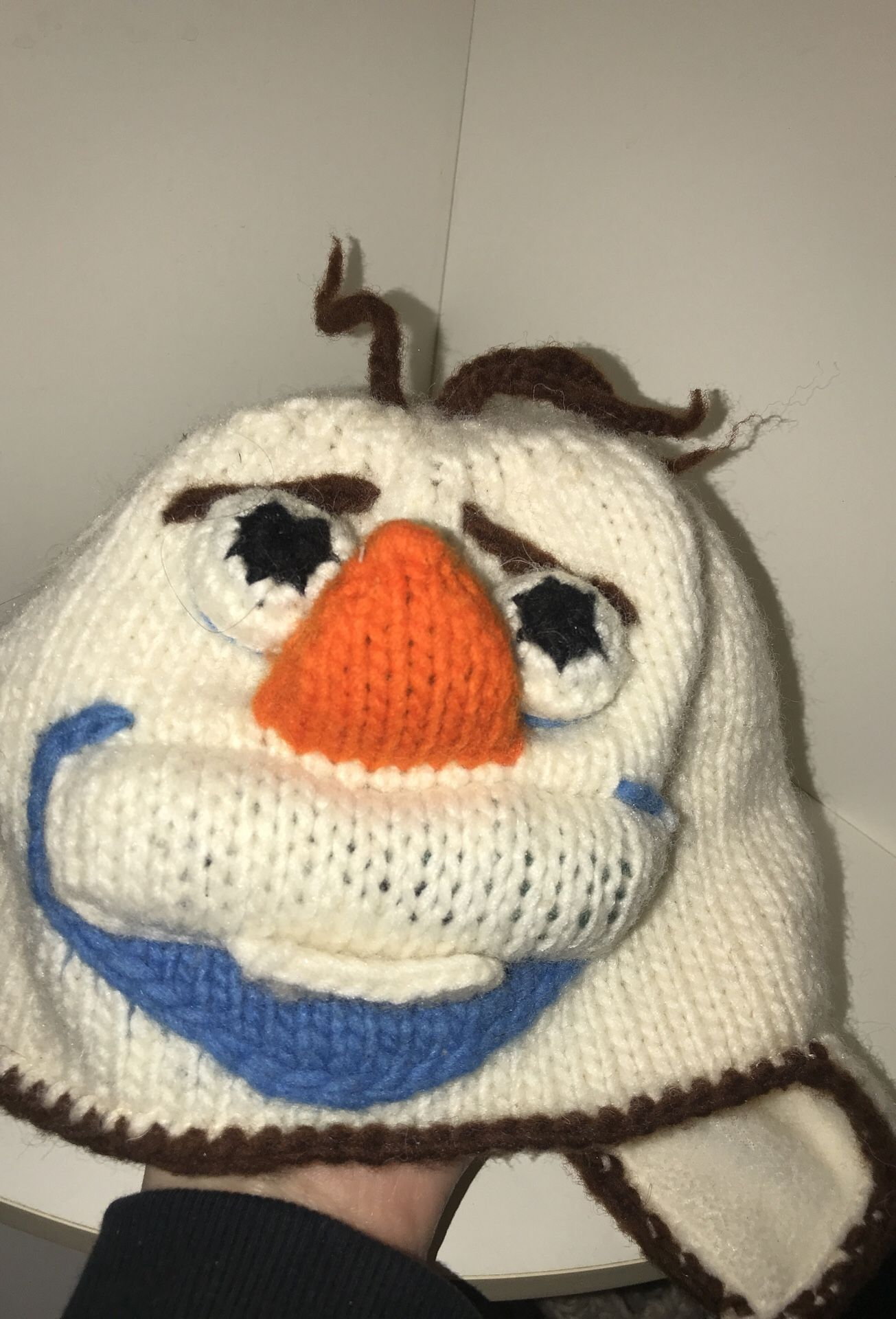 Knitted Olaf hat