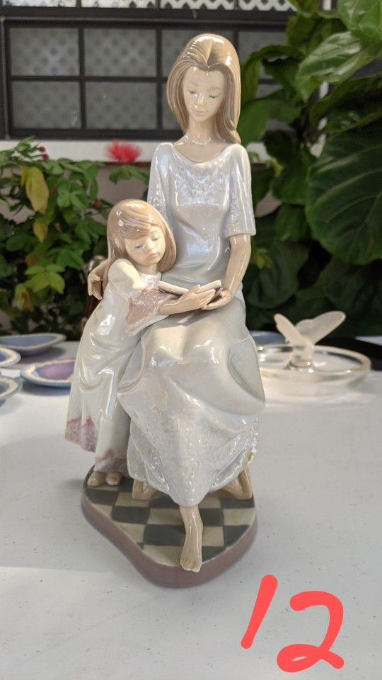 Lladro Figurine 5457 Bed Time Story