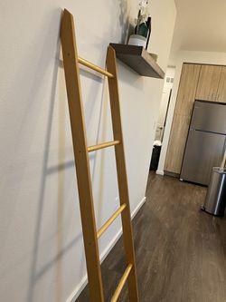 Blanket Ladder Thumbnail