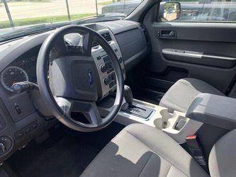 2011 Ford Escape Thumbnail