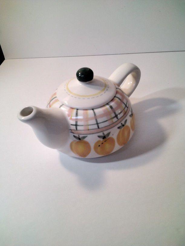 Very Cute Tea Pot .