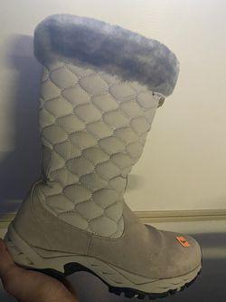 Snow Boots Size 8  Thumbnail