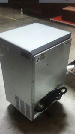 NSF 68lb coolerdepot ice maker sk31a Thumbnail