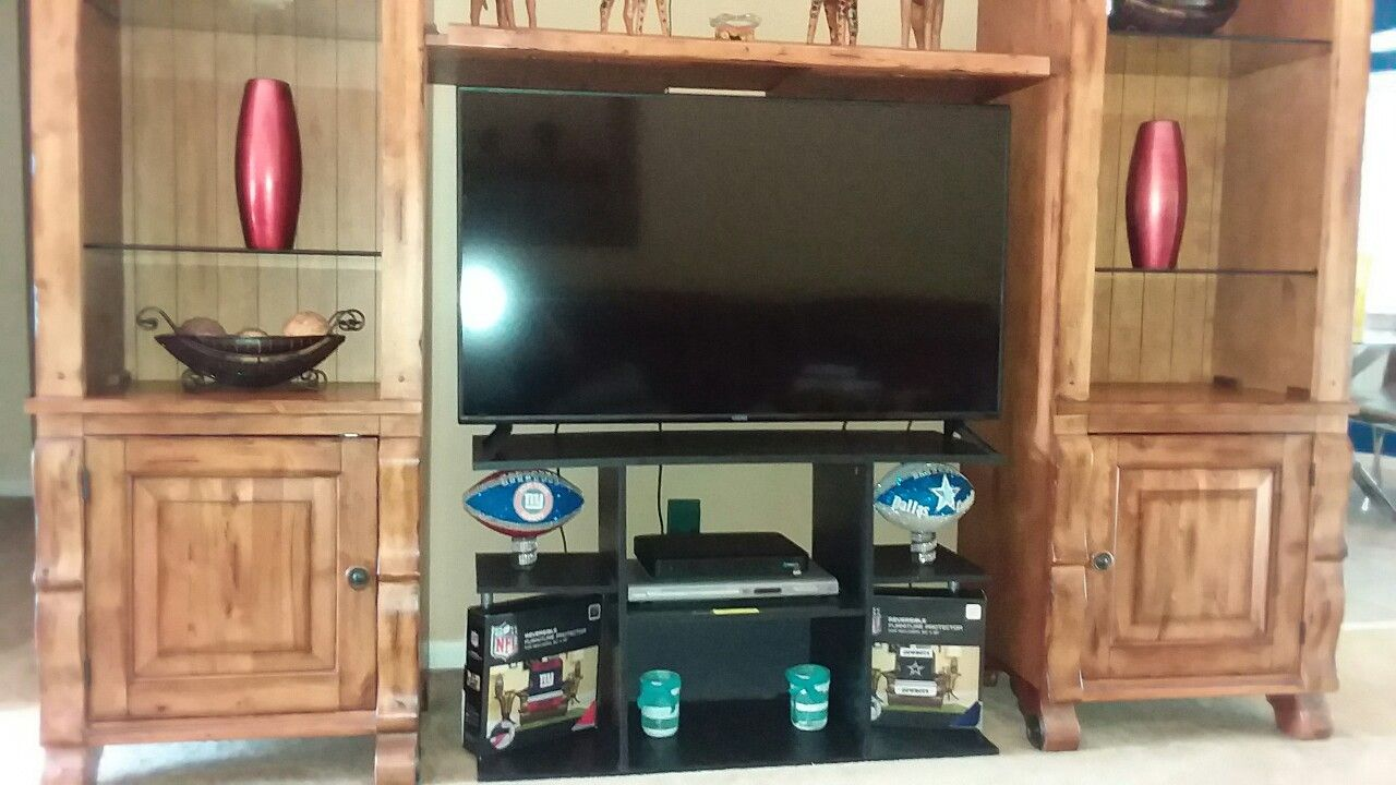 Three sectional entertainment unit