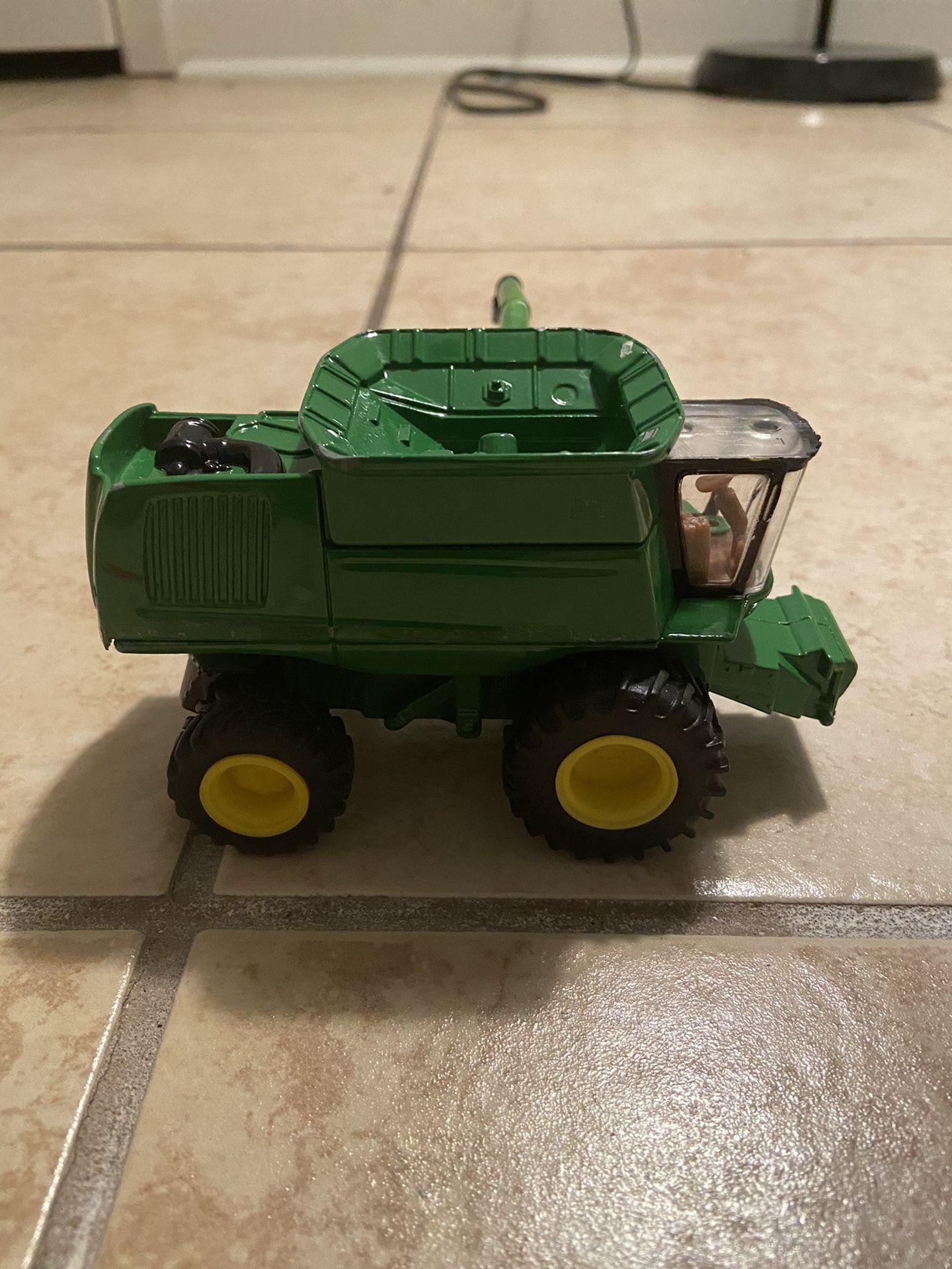 "Ertl John Deer Farm Tractor ""metal"""