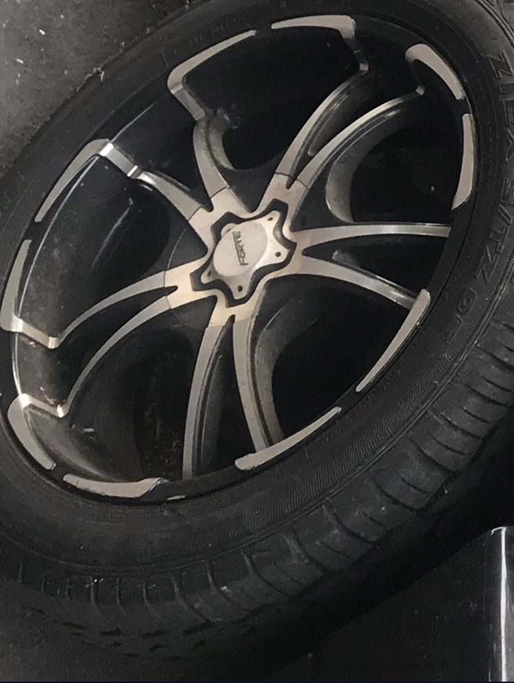 """20"""" Forte twisted rims with tires!"""