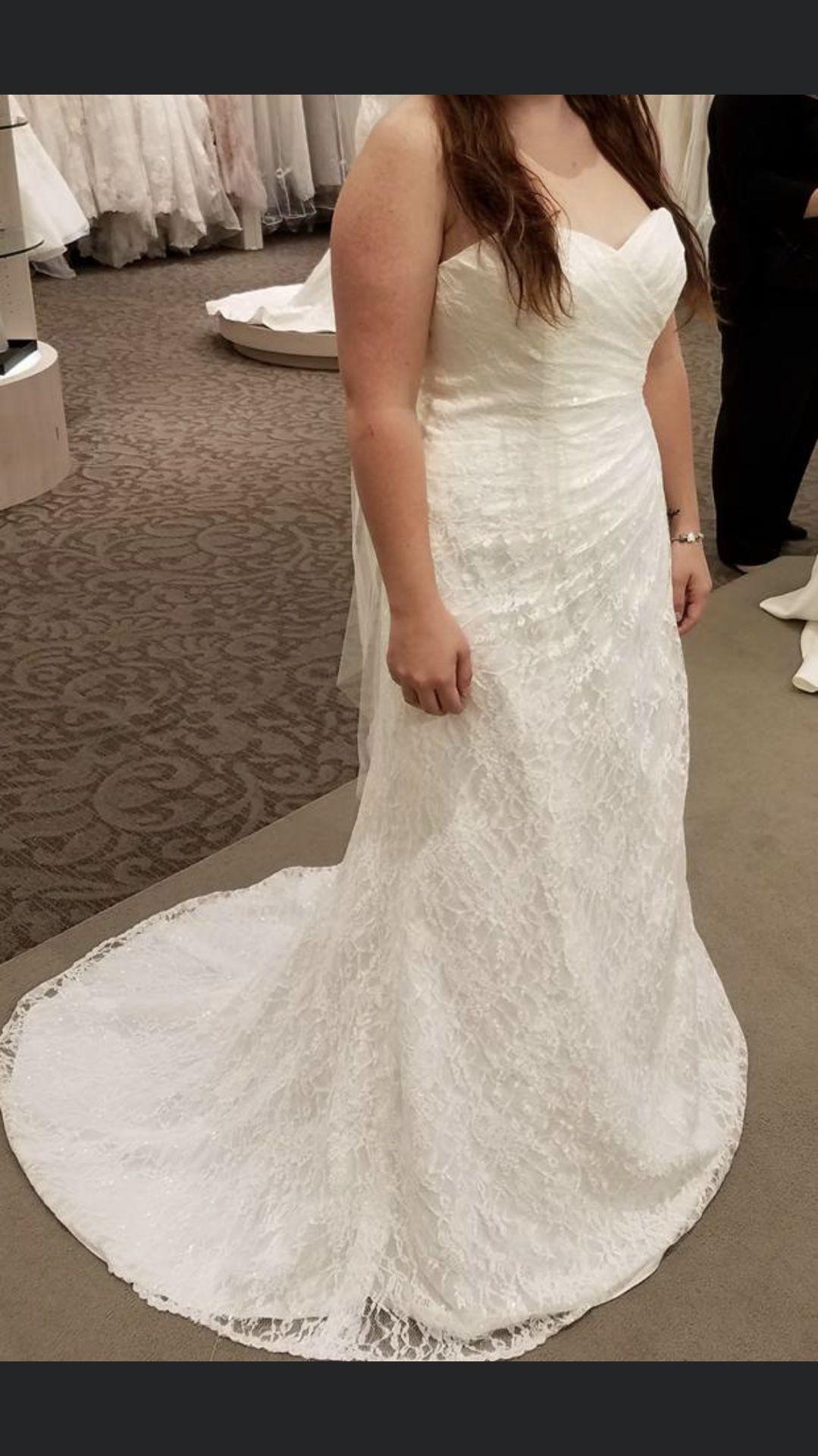 NEW beautiful Ivory wedding dress size 10
