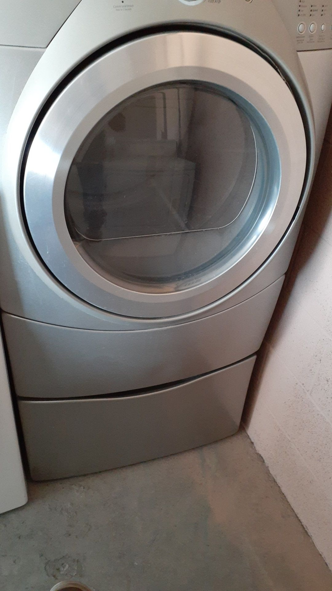 Nice whirlpool duet gas dryer available