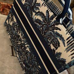 Christian Dior Thumbnail