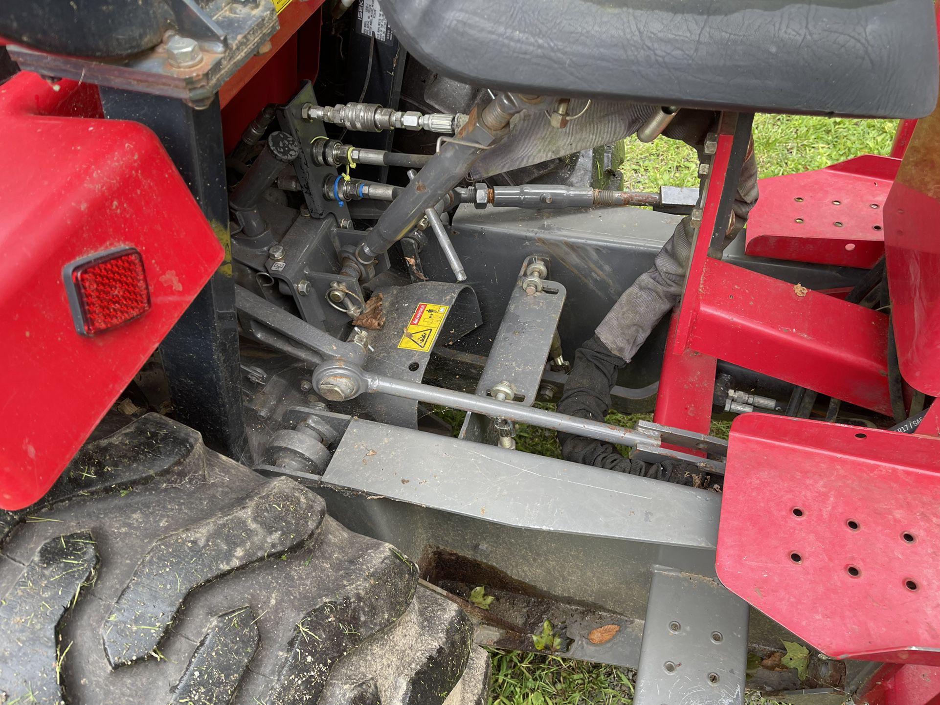 Tractor /backhoe