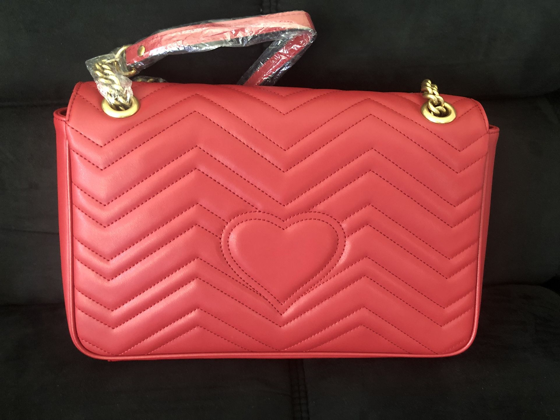 Gucci Mermont Medium Shoulder Bag