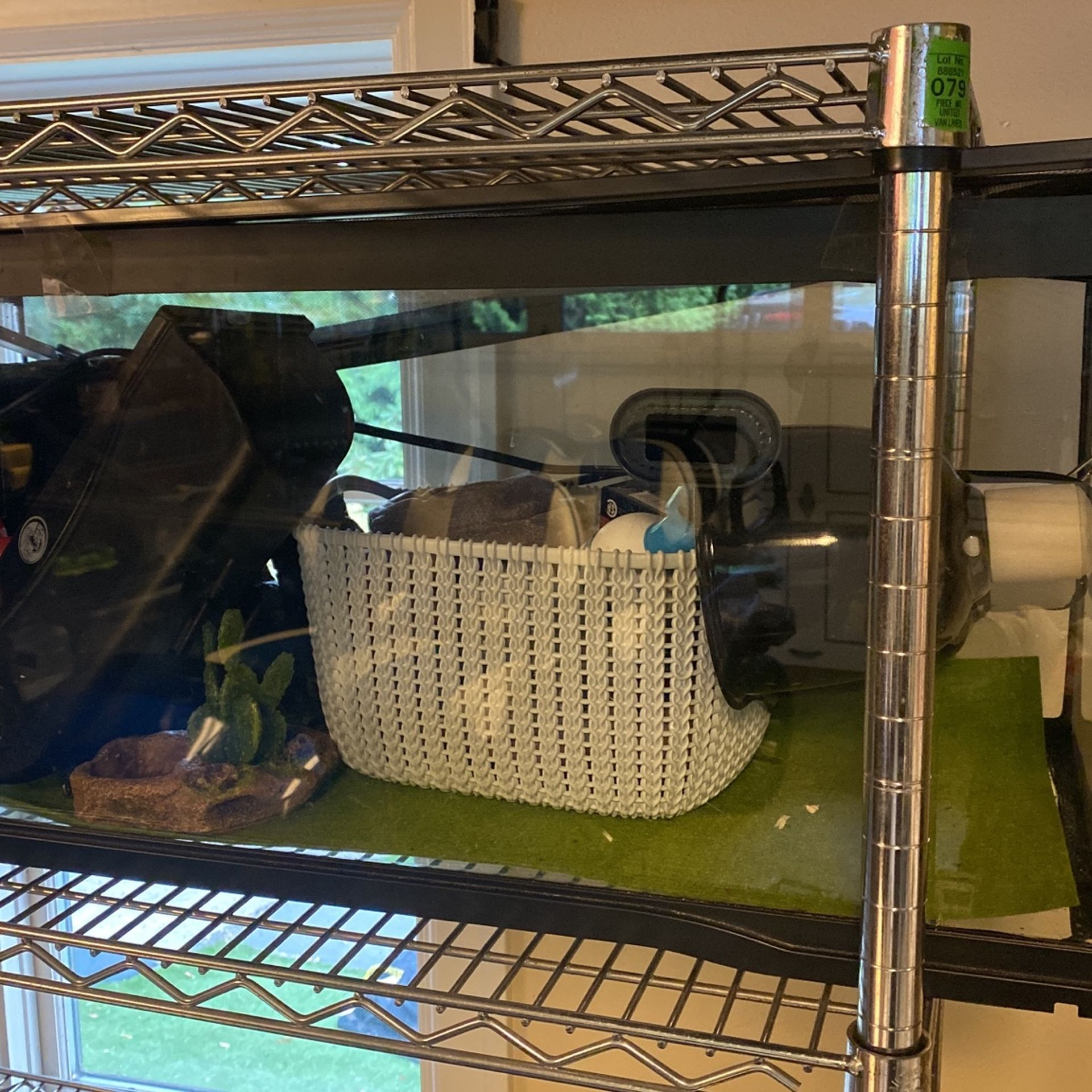 Drago Lizard Cage With Accessories