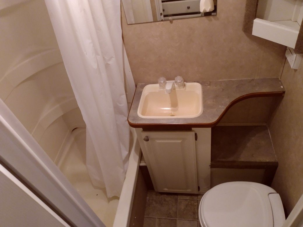2006 Gulfstream By Gulfbreeze 28ft With Slide Out In Great Condition