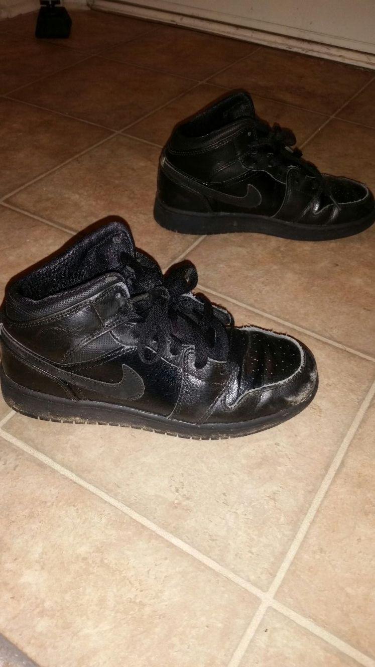 Michael jordan shoes size 4