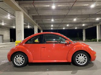 2004 Volkswagen New Beetle Coupe Thumbnail