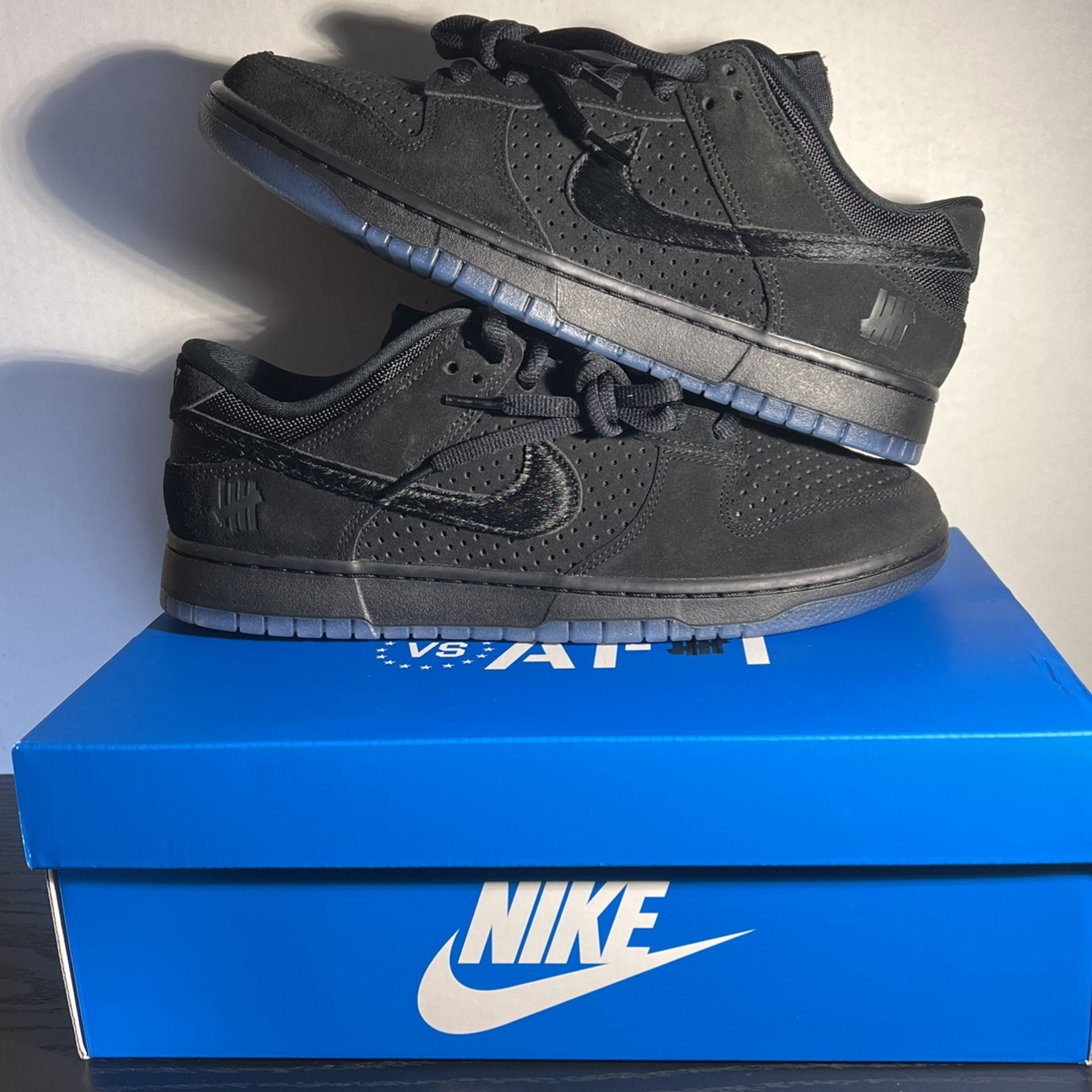 Nike Dunk Undefeated Size 12