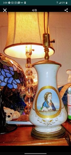 Elegant Antique & Victorian era Lamp Thumbnail