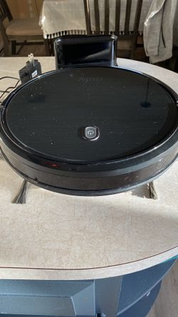 robot vacuum Thumbnail