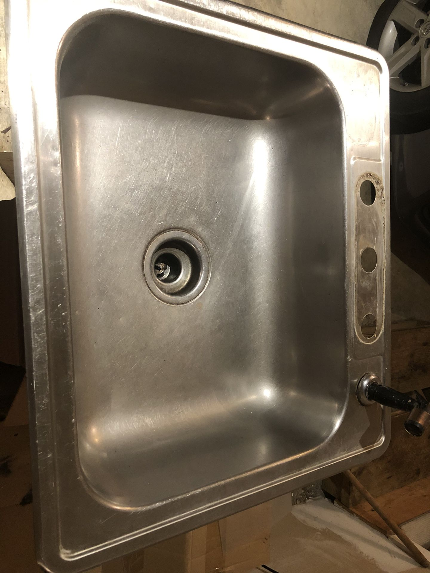 Kitchen sink and new faucet