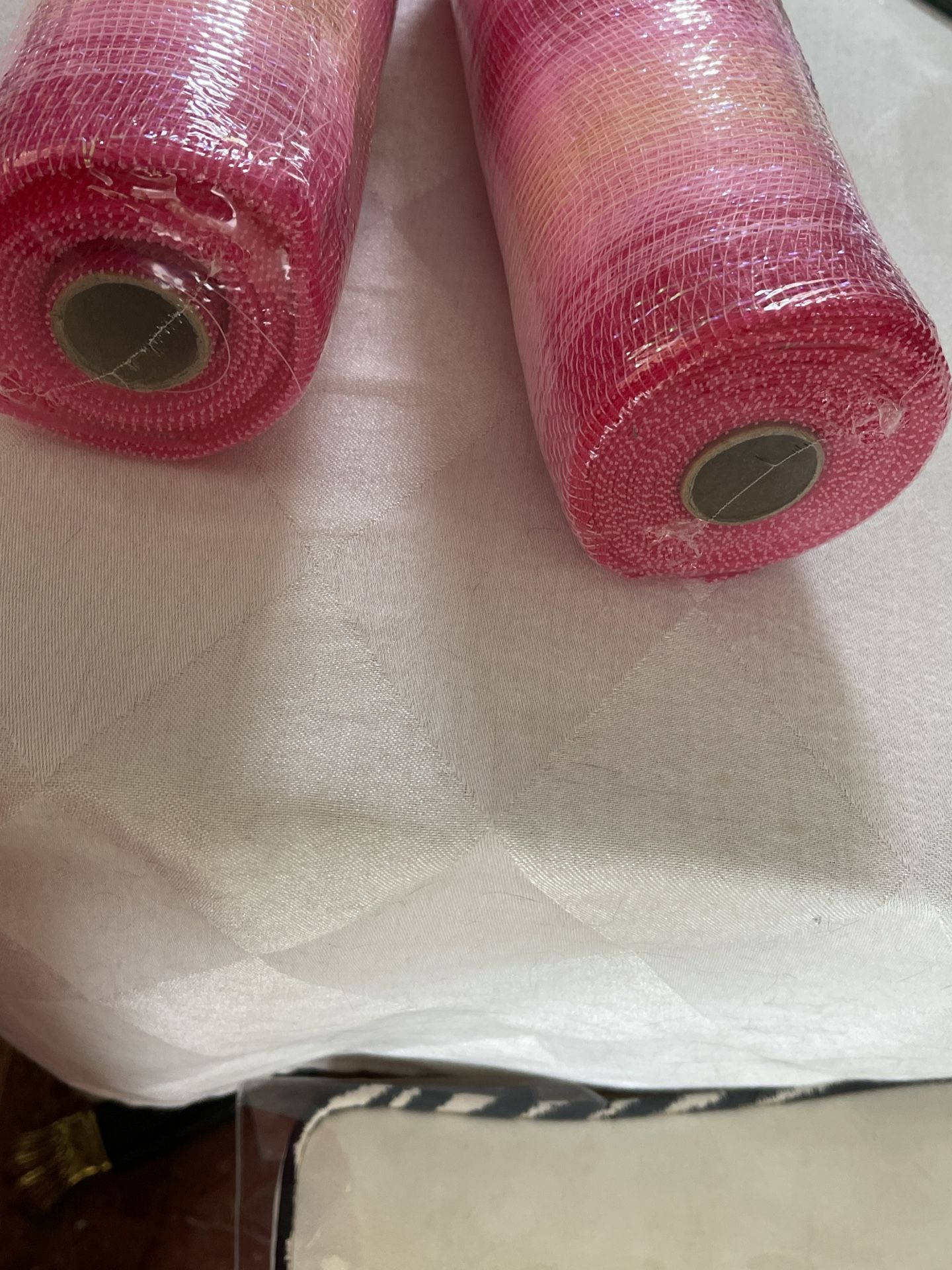 """10"""" DECO MESH Ombré PINKS with Metallic Threads  Woven Poly  10""""W X 30Ft 10yards TWO ROLLS"""