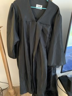 Free Graduation Gowns Thumbnail