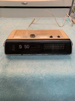 Vintage clock AM/FM radio alarm works great old flip numbers Thumbnail