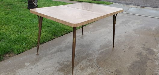Mid Century Dining room table Thumbnail