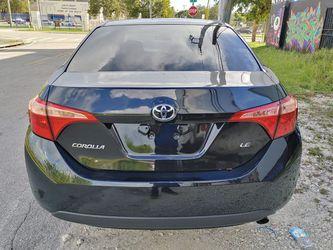 2017 Toyota Corolla Thumbnail