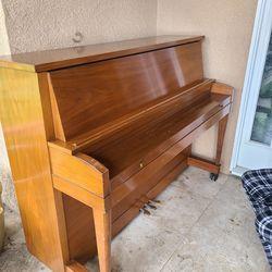 Antique Hamilton Piano Thumbnail