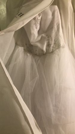 Gorgeous wedding dress Thumbnail